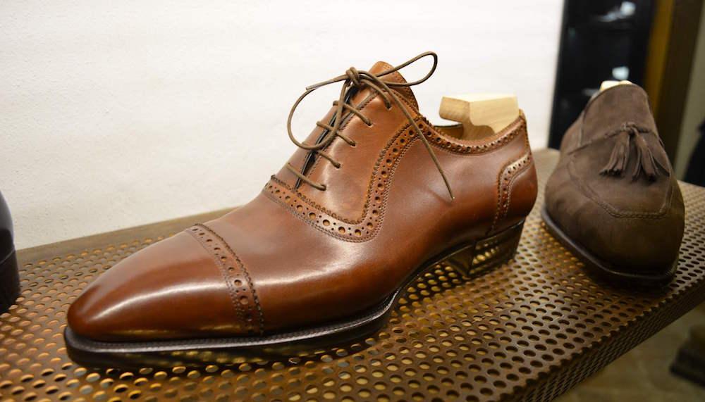 Giày được làm theo số đo chân, mang đến cho người dùng cảm giác thoải mái tối đa