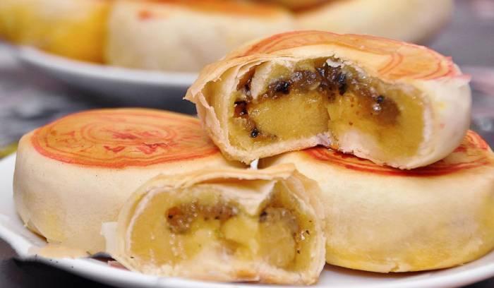 Bánh pía là đặc sản nổi tiếng của tỉnh Sóc Trăng