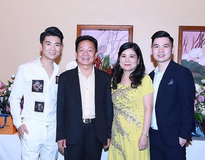 Gia đình Đỗ Quang Hiển